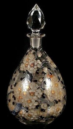 DELVAUX FRENCH 1920'S ART GLASS PERFUME BOTTLE. (Circa 1920's)