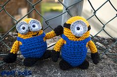 Minions! Free pattern <150 yards The English pattern is below, make sure to scroll down!