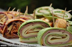 Looking for an easy (and delicious) appetizer / finger food recipe? Give Pinwheels a try!