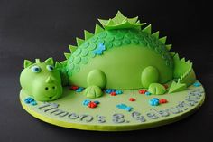 Newest Totally Free children cake recipe Tips - yummy cake recipes Dinosaur Birthday Cakes, 4th Birthday Cakes, Homemade Birthday Cakes, Dinosaur Cake, Cake Recipes For Kids, Delicious Cake Recipes, Fondant Cakes, Cupcake Cakes, Dino Cake