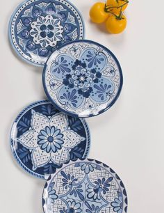 Shop our great selection of dinnerware sets for the whole family. You'll find the best brands and materials on dinnerware circular, rectangular, and square dinnerware sets. Melamine Dinnerware Sets, Ceramic Tableware, Plate Wall Decor, Plates On Wall, Kitchen Plates Set, Pottery Painting Designs, Hanging Plates, Pottery Sculpture, Dinner Plate Sets