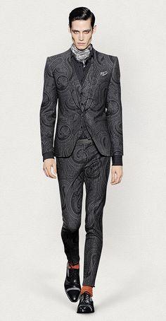 a8176045c02 Etro W14-15 men's black and gray paisley print the piece suit Men Fashion  Show
