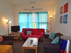 My college apartment... i want my apartment to look just like this!! :D