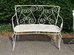 G088 - Gorgeous Vintage French Wrought Iron Garden Bench. Very pretty.