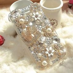 Amazon.com: United Electek Bling Luxury Crystal Floral Coco Bag Case Cover with Rhinestone and Big Diamond for HTC One X - Comes with Gift Box Package and Velvet Pouch: Cell Phones & Accessories