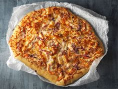 Lohifocaccia 20 Min, Hawaiian Pizza, Fish Recipes, Mozzarella, Cheese, Food, Eten, Meals, Diet