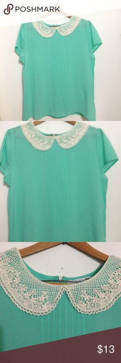 Super cute Peter Pan collared blouse Super cute Peter Pan collared blouse in mint green color size large Forever 21 Tops Blouses