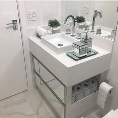 ideas bedroom design loft storage for 2019 Compact Bathroom, Small Bathroom, 50s Bathroom, White Bathroom, Modern Bathroom, Bathroom Interior, Interior Design Living Room, Loft Storage, Bad Inspiration