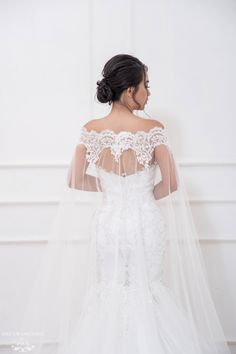 Shop the wide range of Detachable Bridal Sleeve Cape from Dream Dresses by P. Most of the bridal cape can be custom made according to your requirements. Plain Wedding Dress, Wedding Dress With Veil, Wedding Dress Sleeves, Wedding Gowns, Wedding Lace, Wedding Dress Cape, Wedding Outfits, Fall Wedding, Lace Wedding Decorations
