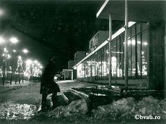 """Galați : Sărbători de iarnă : (Noapte de decembrie în Țiglina I) / Năstase Marin .- Galaţi, 1971. Imagine din colecțiile Bibliotecii """"V.A. Urechia"""" Galați."""
