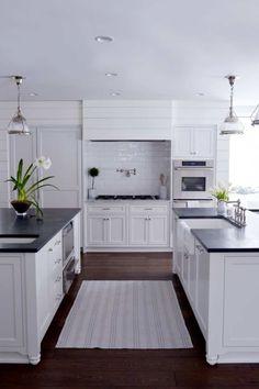 Installation Speckstein Arbeitsplatten In Ihrer Küche Pick Up Ein Stein Aus  Der Gegend Und Setzen Kleber.
