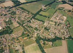 234982 Lierop: Koepelkerk links midden met het kerkhof. W... | Zoek resultaat | Fotohistorisch