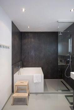 mettre une douche et une baignoire dans la salle de bain