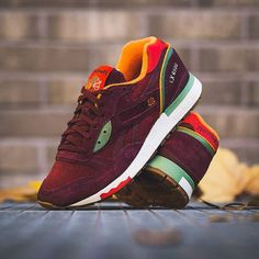 """After the summer, there's autumn! The Packer Shoes x Reebok LX 8500 is the successor to the """"Summer"""" Ventilator, which Packer also created with Reebok, and sports a dark red leather upper with colorful hits in bright yellow and green, a gum sole and an insole with an allover print. You guessed it, the colors on the LX 8500 represent the falling autumn leaves!  Drops November 13th!  Instore and online!  #solebox #soleboxberlin #soleboxmuenchen #reebok #lx8500 #packershoes #reeboklx8500"""