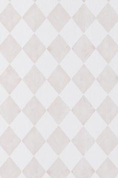 En tapet i non-woven material. Varje rulle är 10,05 m. Bredd 53 cm. Mönsterpassning 13 cm. Valmistettu Ruotsissa.<br><br>Matcha med tapet Smilla när du vill ha neutrala väggar i kontrast till mönstrade tapeter.<br><br>Non woventapeter gör tapetseringen enklare genom att du stryker limmet direkt på väggen och sedan sätter upp tapeten. Ett vävlim skall användas, eftersom ett vanligt tapetlim är gjort för papptapeter. Här på Ellos kan du köpa ett perfekt matchande vävlim!