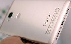 Huawei Honor V8 es el nuevo smartphone, o phablet, del fabricante chino. Dispone de doble cámara trasera de 12Mpx, procesador de 8 núcleos y RAM de 4GB.