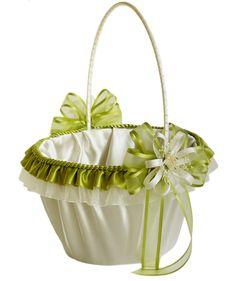wedding basket girl.  Canasta para niñas floristas