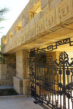 Charles Ennis House. Frank Lloyd Wright. 1924. Hollywood Hills
