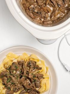 Enjoyable slow cooker recipes for beef roast only in i-healthy recipes ideas Slow Cooker Beef Stroganoff Recipe, Campbells Beef Stroganoff, Healthy Beef Stroganoff, Homemade Beef Stroganoff, Ground Beef Stroganoff, Slow Cooker Recipes, Crockpot Recipes, Mushroom Stroganoff, Healthy Recipes