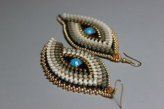zipper by Fantasiria on Etsy Zipper Jewelry, Fabric Jewelry, Zipper Crafts, Gold Beads, Beaded Embroidery, Jewelry Crafts, Beading, Crochet Earrings, Handmade