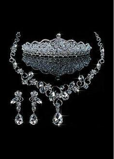 Glamorous First Class Austrian Diamonds & Stunning Rhinestones & Alloy Necklace & Earrigs & Tiara For Your Wedding Dress