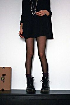 outfits with doc martens \ outfits ; outfits for school ; outfits with leggings ; outfits for school winter ; outfits with black jeans ; outfits with air force ones ; outfits with doc martens ; Dr Martens Fashion, Dr Martens Outfit, Outfits With Doc Martens, Doc Martens Boots, Outfits With Tights, Converse Outfits, Pantyhose Outfits, Tights Outfit, Mode Outfits