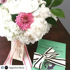 ・・・ CONGRATS || When your best friend welcomes a new baby girl to the world, nothing but flowers from @rosebredl and @rulesformynewborndaughter will do!