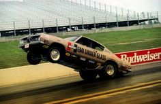 Vintage Drag Racing - Wheelstanders - Hurst Hemi Under Glass