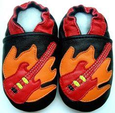 NIB Disney Minnie Mouse Crib Shoes STRIDE RITE Red White Dots 0-3m 3-6m 6-12m