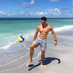 each babe #beachbabe #beachbabes #sun #kamilnicalek #malemodel #model #athlete #inspire #fit #instafit #hot #hotguys #handsome #hunk