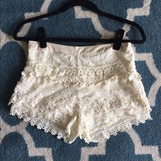 Cream colored lace shorts Beautiful med lace shorts! Jr sizing Shorts Skorts
