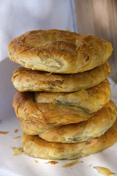 Spanakopita, Greek Spinach Pie from Amorgos Island - σπανακόπιτα Cypriot Food, Greek Spinach Pie, Greek Cooking, Greek Dishes, Most Delicious Recipe, Greek Recipes, Vegetable Recipes, Food For Thought, Food To Make