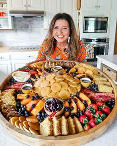 Loaded Pancake Boards Are Changing The Brunch Game Breakfast And Brunch, Breakfast Platter, Brunch Bar, Pancake Breakfast, Brunch Food, Brunch Recipes, New Recipes, Appetizer Recipes, Breakfast Recipes