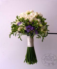 Ramo de novia de freesias Purple Wedding Bouquets, Floral Wedding, Diy Wedding, Wedding Flowers, Dream Wedding, Wedding Day, Plus Size Gowns, Diy Flowers, Flower Arrangements
