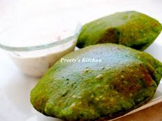 Palak/Spinach Poori - A Healthy Snack For Kids