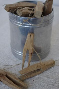 Old clothespins . ..