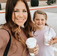 Jana Marie Duggar, Dugger Family, Girl Quizzes, Family Events, Our Girl, Reality Tv, Couple Photos, Family Pictures, Couples
