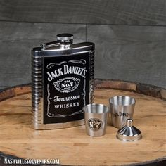 Jack Daniels Gift Set with Ribbed Flask and Shots Jack Daniels Shop, Jack Daniels Gift Set, Jack Daniels Black Label, Jack Daniels Decor, Jack Daniels Logo, Jack Daniels Bottle, Jack Daniels Whiskey, Whiskey Girl, Cigars And Whiskey