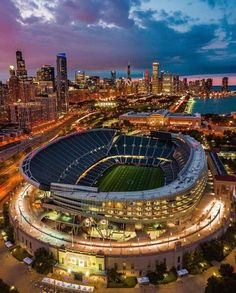 Soldier Field home of Chicago Bears. Chicago City, Chicago Skyline, Chicago Illinois, Chicago Nfl, Chicago Bears Stadium, Route 66, Chicago Bears Wallpaper, Istanbul, Nfl Stadiums