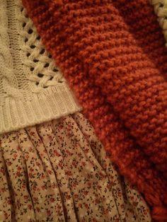 Detalle estampado falda  jersey y bufanda. https://www.facebook.com/llovetmir