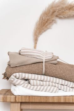 26.3.21 Home Wallpapers Bedroom Inspo, Home Bedroom, Nature Living, Box Deco, Uni Room, Home Wallpaper, Home Textile, Warm And Cozy, Bed Sheets