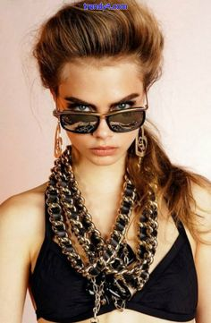 """British model Cara Delevingne (Women) was tapped for Eyewear 2013 campaign. The current """"IT"""" girl of fashion world, Cara D. stars as the muse for Sunglasses 2014, Versace Sunglasses, Sunglasses Women, Sunnies, Sunglasses Outlet, Cara Delevingne, Fashion Moda, Look Fashion, Hipster Fashion"""