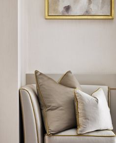 Luxury interior design of apartment in Bayswater, London. It features custom made joinery, Fendi furniture and Lorenzo Quinn Artwork. Luxury Homes Interior, Luxury Home Decor, Home Interior Design, Neutral Cushions, Luxury Cushions, Gold Cushions, Scatter Cushions, Beddinge, Decor Inspiration