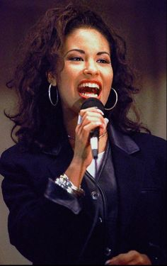 "It's been 21 years since the world lost Selena Quintanilla.The singer, known as the ""Queen of Tejano,"" died on March While she's been gone for more than two de… Selena Quintanilla Perez, Buffy, Selena Music, Selena Mexican, Divas, Mac Selena, Lake Jackson, Her Music, Music Den"