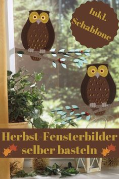 Herbst-Fensterbilder sind eine schöne Deko-Idee, denn sie erfreuen nicht nur je… Autumn window pictures are a nice deco idea, because they not only delight everyone who looks out, but also neighbors who come by your house! Farrow Ball, Hula, Christmas Bulbs, Christmas Crafts, Make Your Own, Make It Yourself, Crafts For Kids, Diy Crafts, Kid Beds