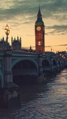 London, England and the Big Ben clock tower! Not only my dream to see it but to go to school abroad in London! Places Around The World, Oh The Places You'll Go, Places To Travel, Places To Visit, Around The Worlds, Big Ben, Vintage Landscape, London City, London Bridge