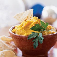 Cumin Curried Hummus - Quick and Easy Side-Dish Recipes - Cooking Light Quick And Easy Appetizers, Easy Appetizer Recipes, Spicy Hummus, Garlic Hummus, Hummus Dip, Healthy Snacks, Healthy Recipes, Eat Healthy, Snacks