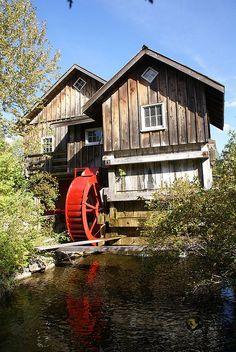 Built in 1984 as a sawmill and retail outlet. The water wheel is for show. The shingle mill is powered by a turbine. Ontario, Old Grist Mill, Water Powers, Water Mill, Old Barns, Le Moulin, Covered Bridges, Old Buildings, Country Life