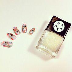 Painterly nail art with matte glitter