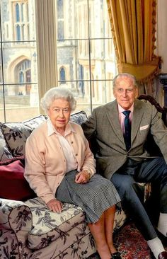 Queen Elizabeth II and Prince Philip anniversary spam. Year by Year of their marriage - 2016 Prinz Philip, Prinz William, English Royal Family, British Royal Families, Reine Victoria, Queen Victoria, George Vi, Prince And Princess, Princess Kate